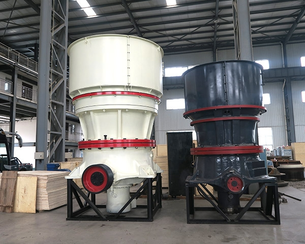Cone crusher with single hydraulic cylinder